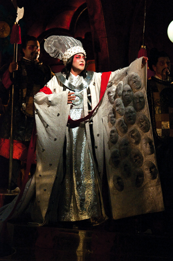 http://nwasianweekly.com/wp-content/uploads/2012/31_33/front_turandot2.jpg