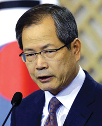http://nwasianweekly.com/wp-content/uploads/2012/31_42/nation_woo.JPG