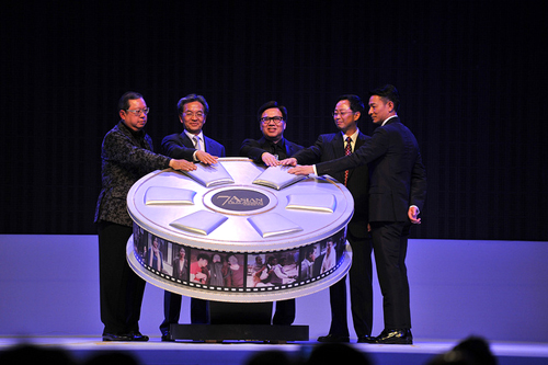 http://nwasianweekly.com/wp-content/uploads/2013/32_14/apop1.jpg