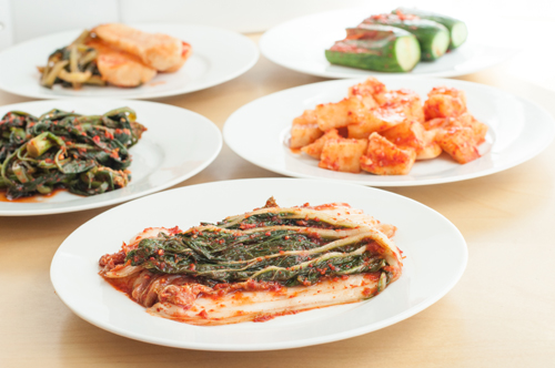 http://nwasianweekly.com/wp-content/uploads/2014/33_34/food_kimchi.jpg
