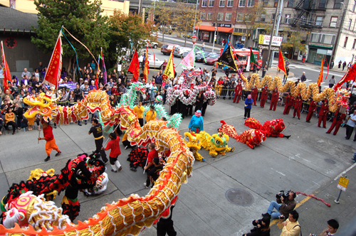 http://nwasianweekly.com/wp-content/uploads/2014/33_43/blog_liondance.JPG