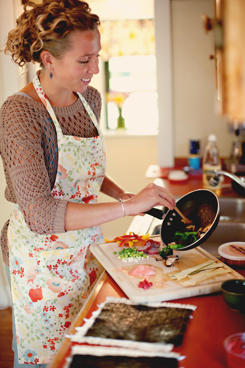 Renee Dole preparing savory ingredients for her signature sushi rolls and rice balls. (Photo provided by Fuurin-Oka)