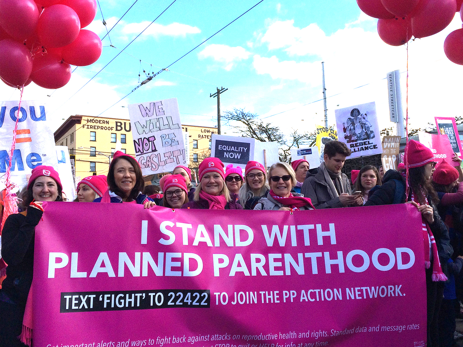 Sen. Maria Cantwell (second from left) and planned Parenthood members. (Photo by Assunta Ng/NWAW)