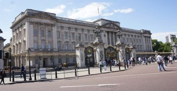 BLOG: Want to visit Buckingham Palace? It's easy.