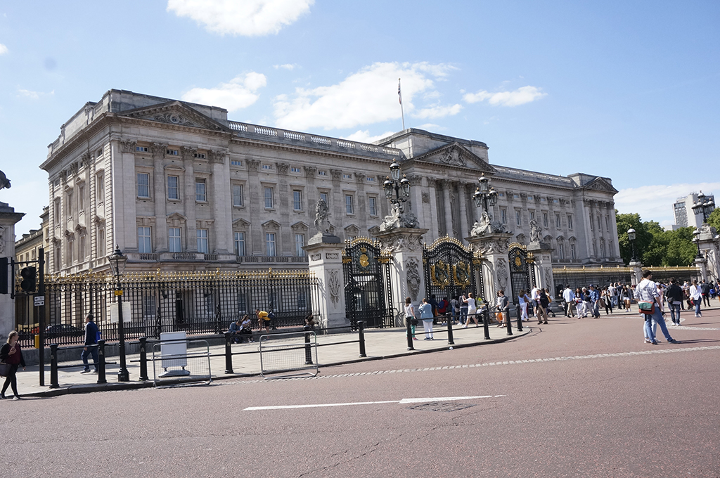 blog want to visit buckingham palace it s easy. Black Bedroom Furniture Sets. Home Design Ideas