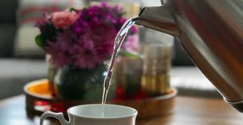 BLOG: Hot water vs. coffee and tea — Why hot and not cold water?